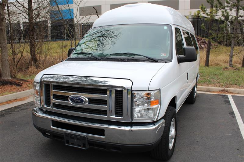 2013 FORD ECONOLINE WAGON XL/XLT