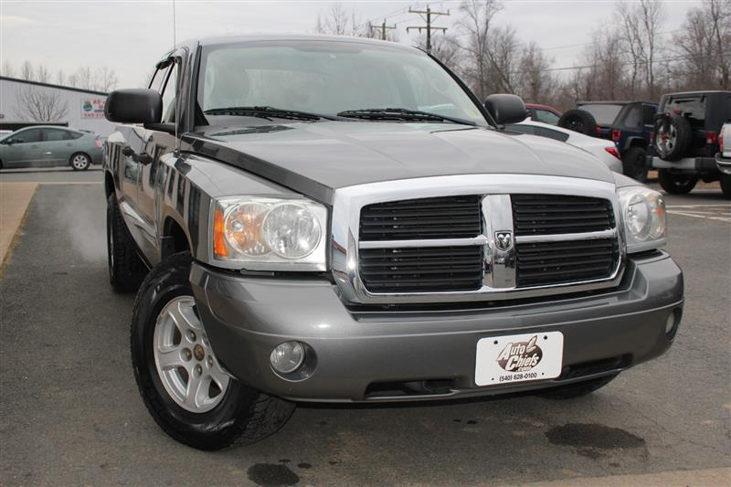 2005 DODGE DAKOTA Laramie