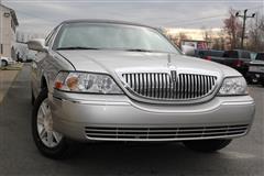 2010 LINCOLN TOWN CAR Executive w/Limousine Pkg