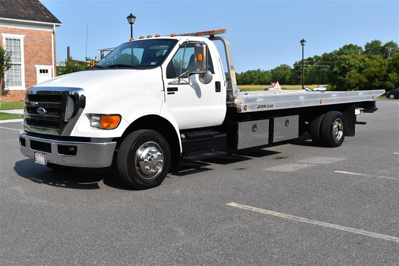 2011 FORD SUPER DUTY F-650 STRAIGHT FRAME XL/XLT