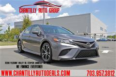 2019 TOYOTA CAMRY SE/BACK-UP CAMERA/CLEAN CARFAX 1 OWNER