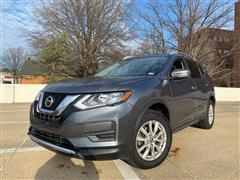 2017 NISSAN ROGUE SV AWD w/Back up Camera