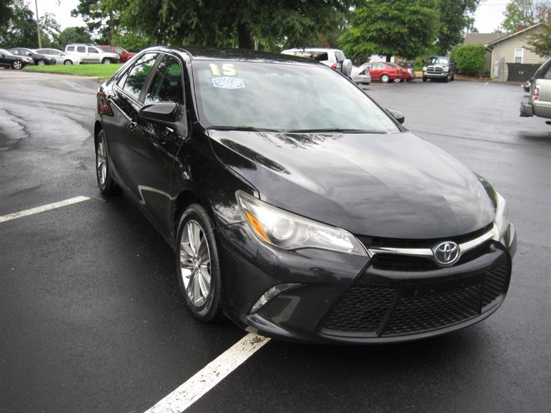 2015 TOYOTA CAMRY SE / CLEAN CARFAX
