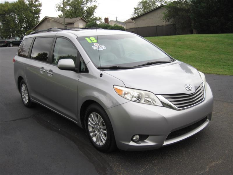 2013 TOYOTA SIENNA XLE LIMITED AWD with NAV & DVD