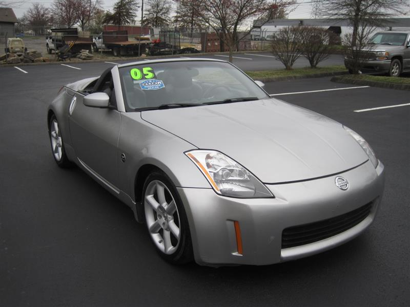 2005 NISSAN 350Z Touring Roadster