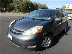 2009 TOYOTA SIENNA XLE Handicap Accessible