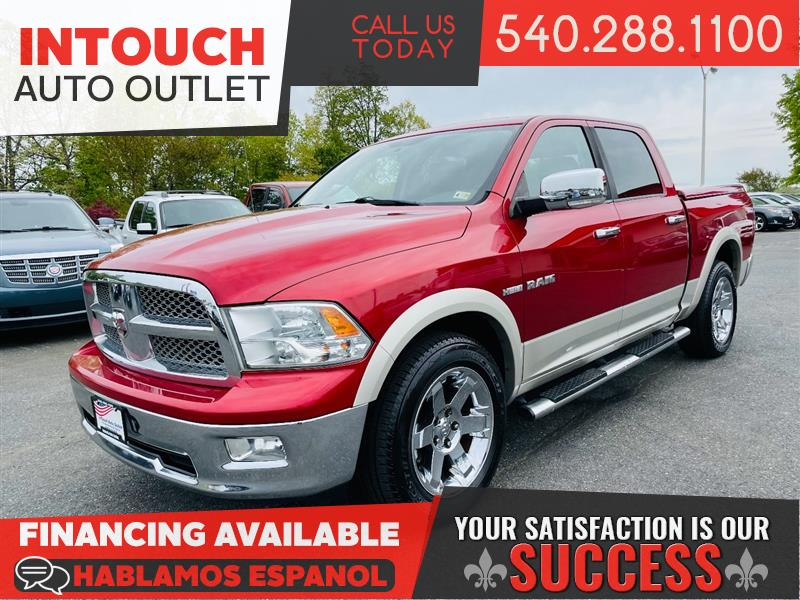 2010 DODGE RAM 1500 LARAMIE CREW CAB 4WD WITH NAVIGATION & MOONROOF