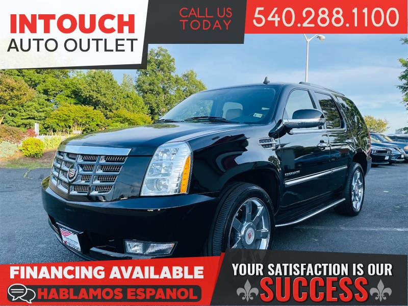 2014 CADILLAC ESCALADE LUXURY AWD WITH NAV AND SUNROOF