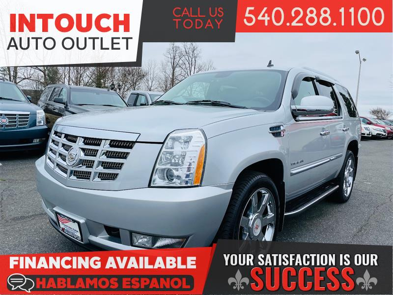 2010 CADILLAC ESCALADE LUXURY 4WD WITH NAVIGATION SUNROOF & BSM