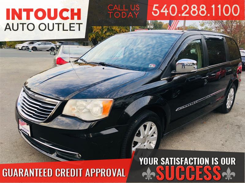 2011 CHRYSLER TOWN & COUNTRY TOURING-L DVDS NAVIGATION AND BLIND SPOT MONITORS