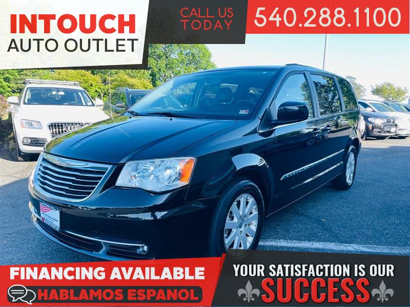 2013 CHRYSLER TOWN & COUNTRY TOURING w/DVDS FAMILY ENTERTAINMENT SYSTEM