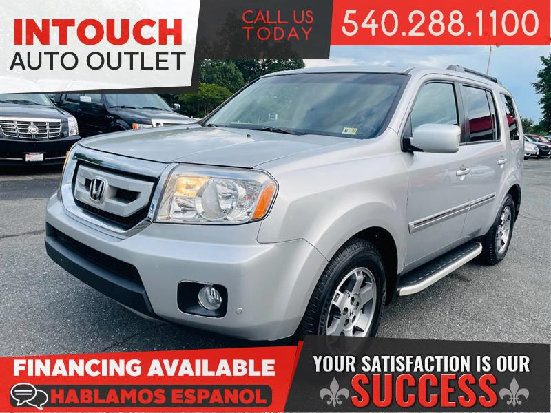 2011 HONDA PILOT TOURING 4WD w/RES AND NAVIGATION SYSTEM