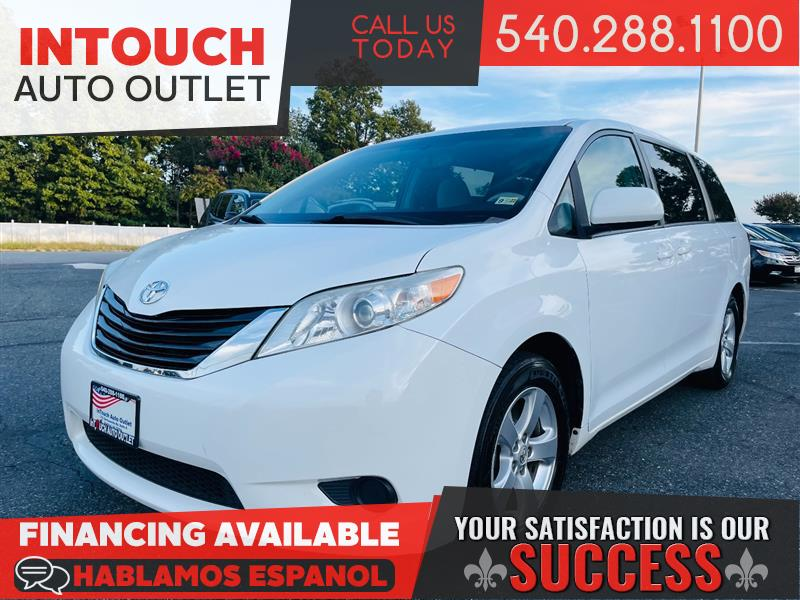 2014 TOYOTA SIENNA LE 8 PASSENGER ONE OWNER