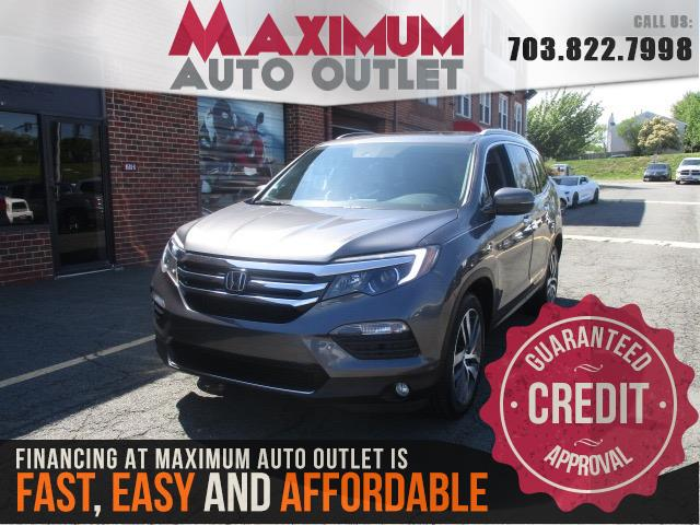 2016 HONDA PILOT Touring w/Navigation and Rear Entertainment System