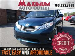 2011 TOYOTA SIENNA XLE 8 Pass with Widescreen DVD