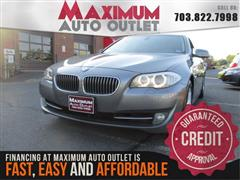 2011 BMW 5 SERIES 528i w/NAVIGATION