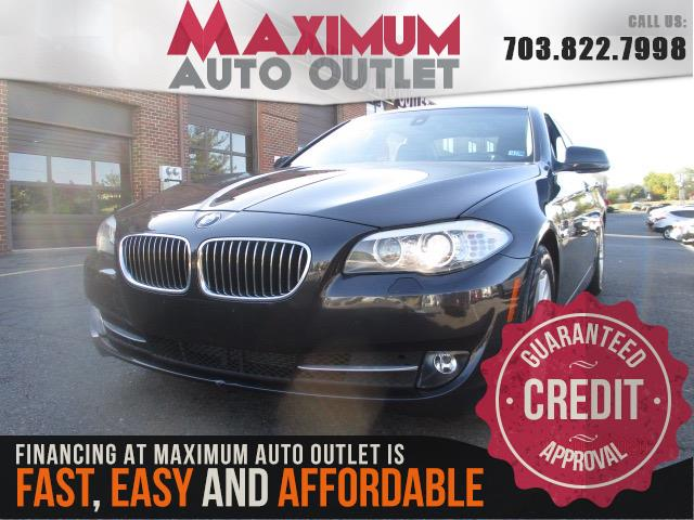 2012 BMW 5 SERIES 528i w/NAVIGATION