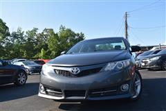 2014 TOYOTA CAMRY SE One Owner Clean Carfax