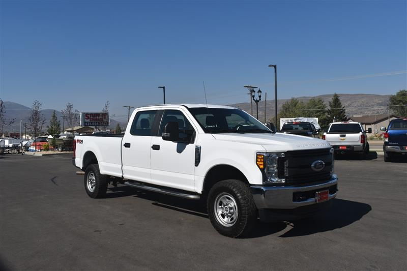 2017 FORD SUPER DUTY F-350 SRW XL