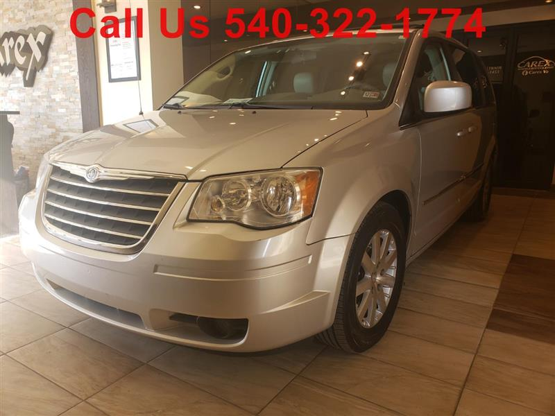 2009 CHRYSLER TOWN & COUNTRY Touring w Rear Entertainment System
