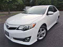 2012 TOYOTA CAMRY SE w/Navigation/Sunroof
