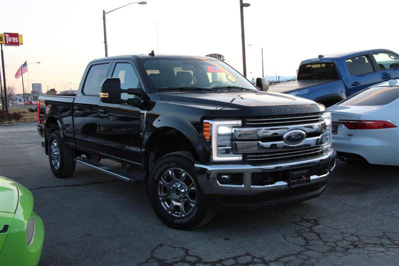 2019 FORD SUPER DUTY F-350 SRW LARIAT FX4 PACKAGE