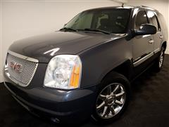 2008 GMC YUKON DENALI DENALI 4WD with NAV & THIRD ROW