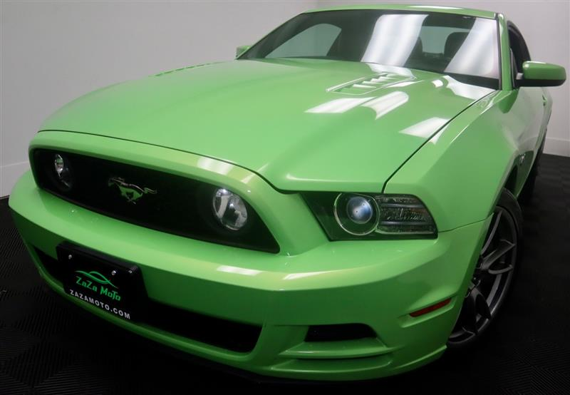 2013 FORD MUSTANG GT Premium GOTTA HAVE IT GREEN!