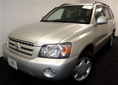 2004 TOYOTA HIGHLANDER Limited, 4x4, 3rd row seating