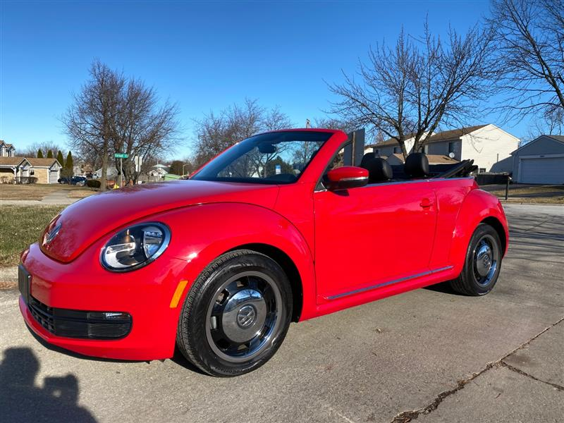 2013 VOLKSWAGEN BEETLE CONVERTIBLE 2.5L w/Tech